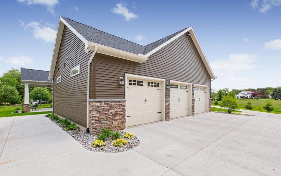 Find Best Custom Home Builder Lansing | What Services Does James Edward Provide?